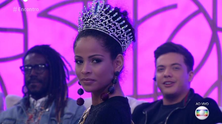 "A Miss Brasil 2017 Monalisa Alcântara no ""Encontro"" - Reprodução/Globo"