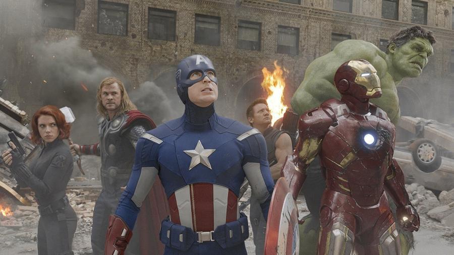 """Viúva Negra, Thor, Capitão América, Gavião Arqueiro, Homem de Ferro e Hulk em cena de """"Os Vingadores"""" - Divulgação"""