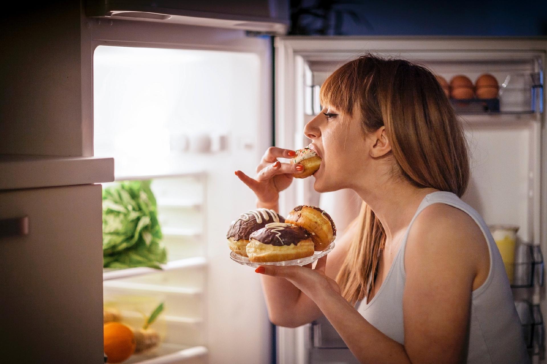 """Acesso a alimentos """"gordos"""" tem grande influência na compulsão alimentar - 11/04/2018 - UOL VivaBem"""