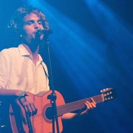 O cantor Theozin - Reprodução