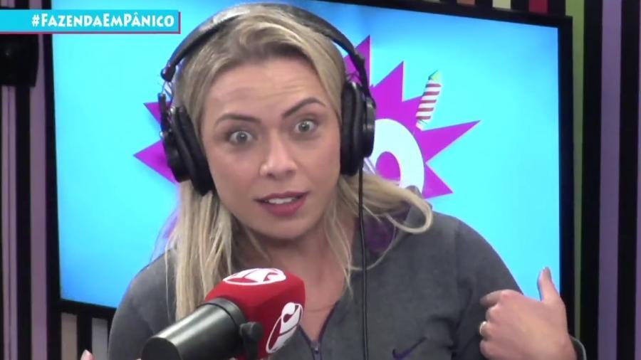 """Aline Kezh, mulher de Rafael Ilha"""" fala ao """"Pânico"""" sobre a expulsão de Nadja Pessoa de """"A Fazenda"""" - Reprodução/Jovem Pan"""