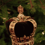 Rainha Elizabeth abre as portas do palácio e mostra sua decoração de Natal - Reprodução/Youtube