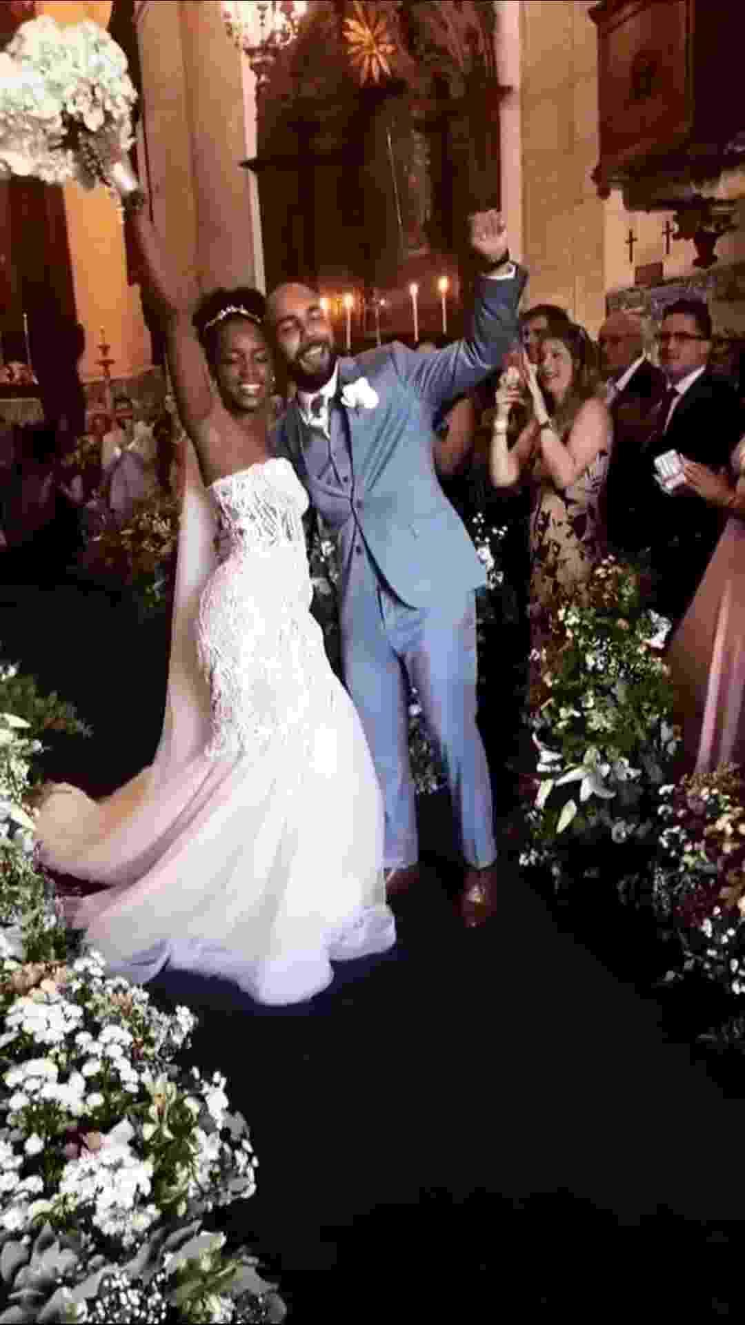 A cantora Iza e o produtor musical Sérgio Santos se casam no Rio de Janeiro - Reprodução/Instagram