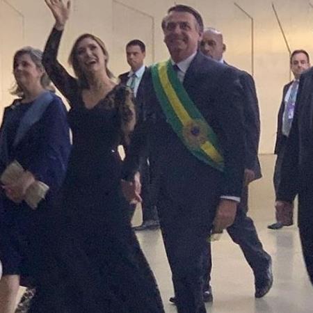 A primeira-dama com o segundo vestido usado na posse do marido, Jair Bolsonaro - Reprodução/Instagram