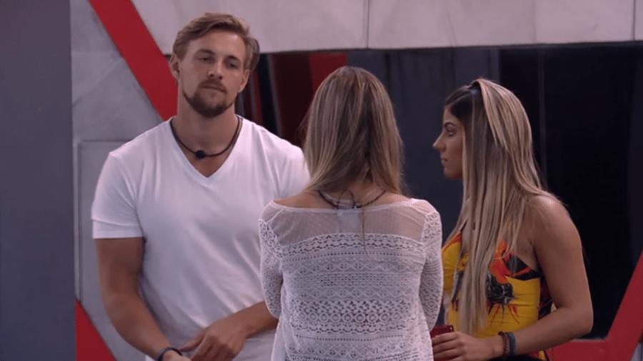 Diego conversa com sisters - Reprodução/GloboPlay