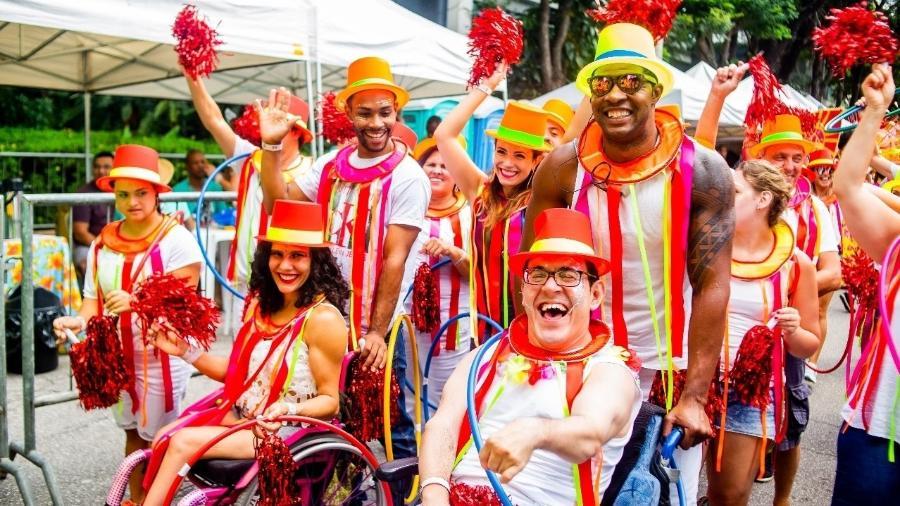 Bangalafumenga faz Carnaval inclusivo e desfila com ala de cadeirantes - Edson Lopes Jr./UOL