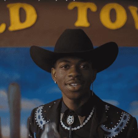 """Cena de """"Old Town Road"""", clipe de Lil Nas X - Reprodução"""