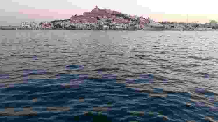 O centro histórico de Ibiza, na Espanha, sob a luz do fim do dia - Marcel Vincenti/UOL - Marcel Vincenti/UOL