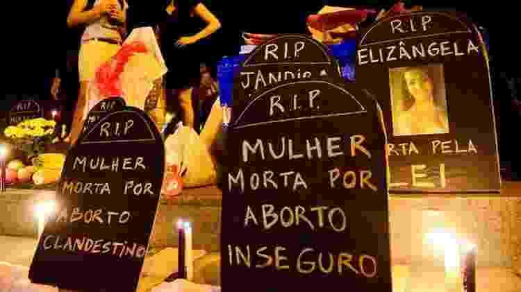 Mais de 200 mil mulheres são internadas por ano no Brasil graças a complicações geradas por abortos inseguros - Agência Brasil