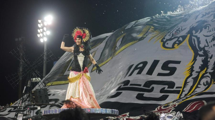 Gaviões da Fiel desfila na segunda noite de carnaval no Anhembi - Ricardo Matsukawa/UOL