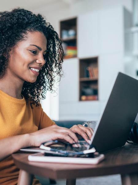 Há muita oferta online de formação em diversas áreas para dar a volta por cima - Gettyimages