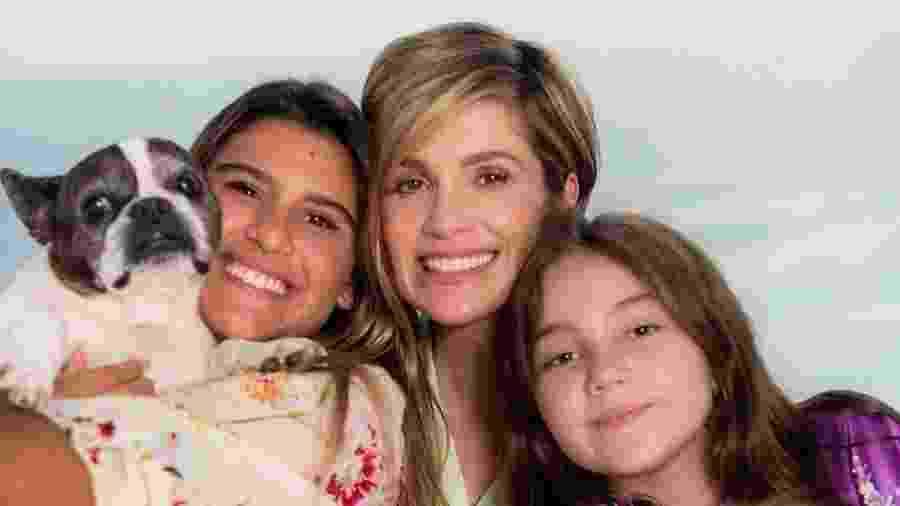 Flávia Alessandra publicou foto com as filhas nas redes sociais - Reprodução/Instagram @flaviaalessandra