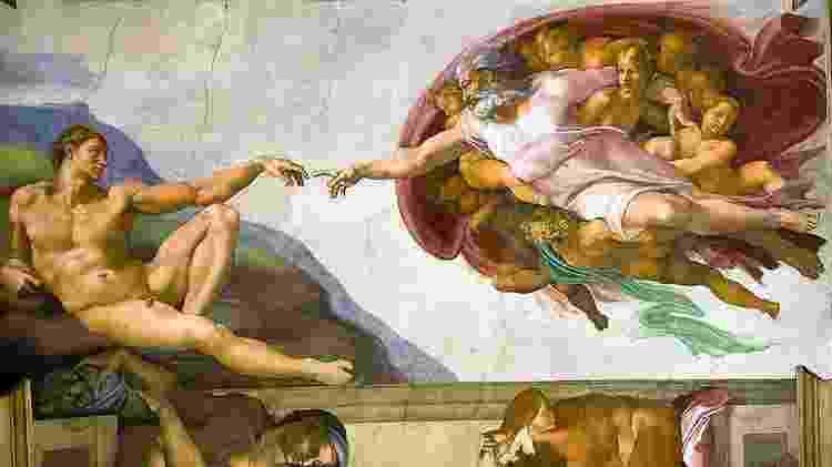 Pintura de Michelangelo na Capela Sistina; o tato é o primeiro sentido que desenvolvemos - Getty Images  - Getty Images