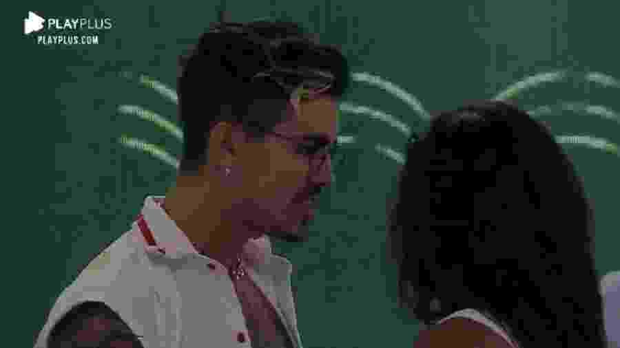 """A Fazenda 2020: Biel e Tays discutem durante a festa """"High Scool"""" - Reprodução/Playplus"""