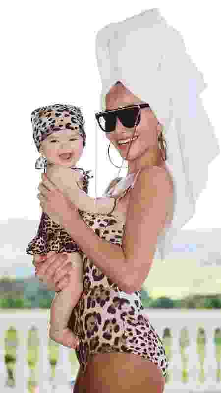 Zoe e Sabrina: mãe e filha combinando looks - Reprodução Instagram - Reprodução Instagram