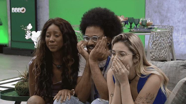 BBB 21: Camilla de Lucas e Viih Tube consolam João após presente do anjo - Reprodução/Globoplay - Reprodução/Globoplay