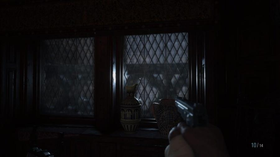 """Quebrar todas as vidraças do castelo rende o troféu """"Vândalo"""" - Reprodução/Capcom"""