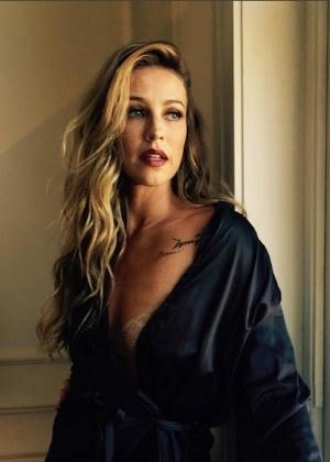 Luana Piovani em bastidor de seu ensaio para a Playboy - reprodução/instagram/@sennarafael