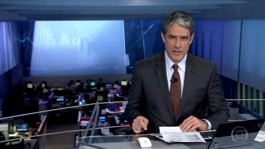 """William Bonner no """"Jornal Nacional""""; âncora desfalcou telejornal nesta terça (3), após acidente com o filho - Reprodução/TV Globo"""