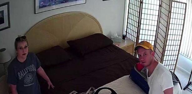 O americano Derek Starnes e a mulher encontraram uma câmera escondida no quarto do imóvel que alugaram pelo Airbnb
