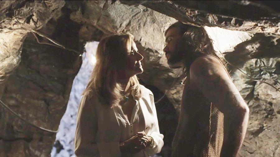 Sophia e Mariano se encontram nas minas e acabam se beijando - Reprodução/GShow/O Outro Lado do Paraíso