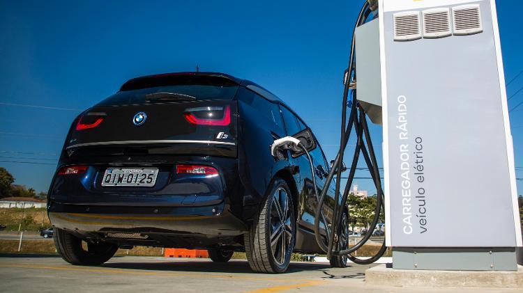 Eletrovia construída entre SP e Rio foi iniciativa com apoio da BMW - Divulgação