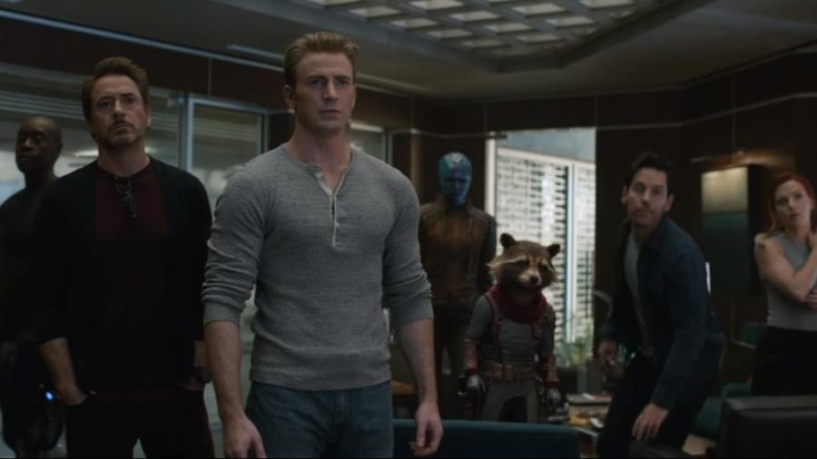 """Heróis se reúnem em cena de """"Vingadores: Ultimato"""" - Reprodução/YouTube"""