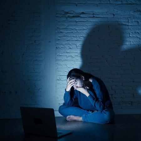 """Stalker ameaçava adolescente por redes sociais: """"Vou te matar retalhada"""" - Getty Images/iStockphoto"""