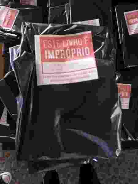 Felipe Neto comprou 14 mil exemplares de livros com a temática LGBTQ+ para distribuir na Bienal - Lola Ferreira/ UOL - Lola Ferreira/ UOL