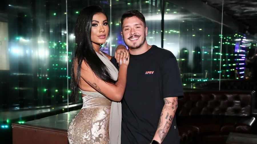Pocah posa com Ronan Souza na festa de aniversário de Matheus Mazzafera - Marcos Ribas/Brazil News