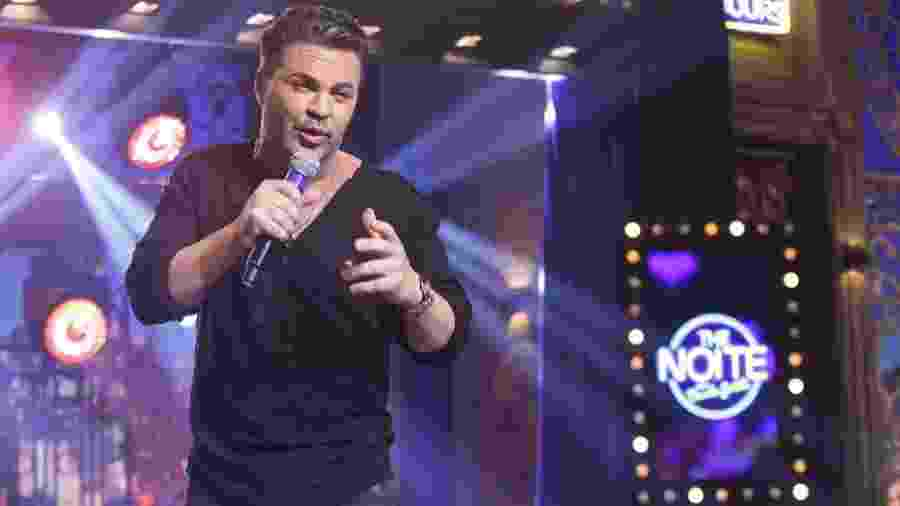 Eduardo Costa canta no The Noite, programa do SBT - Beatriz Nadler/SBT