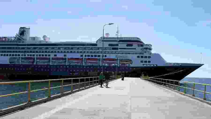 O cruzeiro Zaandam, da empresa Holland America, zarpou em 7 de março de Buenos Aires com destino a San Antonio - AFP