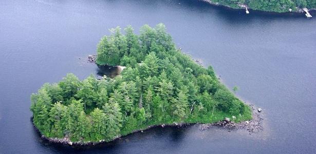 À venda, a Blueberry Island fica em Québec, no Canadá - Divulgação/Vladi Private Islands