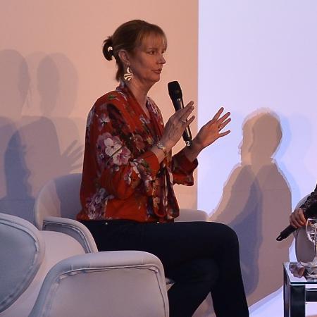 """Melissa Rosenberg, criadora da série """"Jessica Jones"""", durante painel no evento RioContentMarket - Divulgação"""