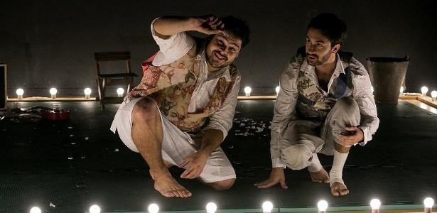 """Espetáculo """"Na Granja"""", com Edson Thiago e Cadu Garcia - Lina Sumizono/Divulgação"""
