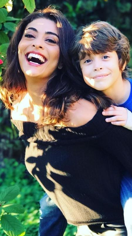 Juliana Paes e João Bravo, mãe e filho na ficção - Reprodução/Instagram
