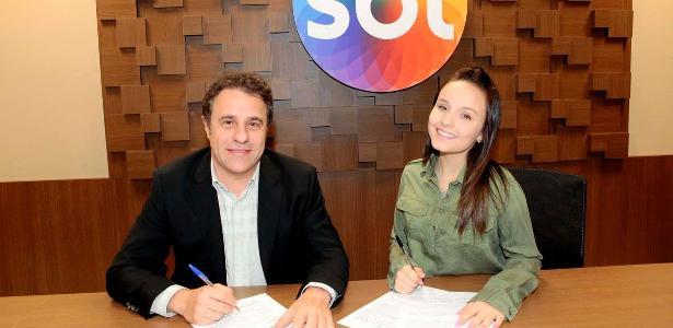 Larissa Manoela renova contrato com o SBT até 2019 - Entretenimento ... 51d2e36ec7