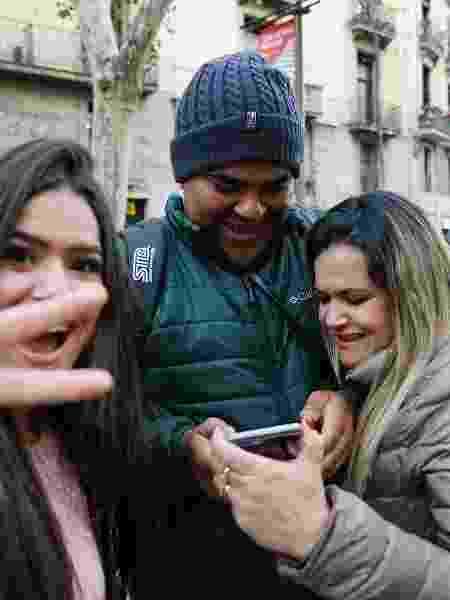 Maisa posa com seus pais, Celso e Gislaine, na França - Reprodução/Instagram/maisa