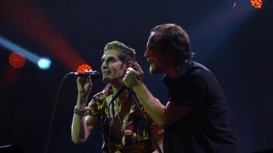 Perry Farrell canta com o Pearl Jam no Lollapalooza Brasil 2018 - Reprodução