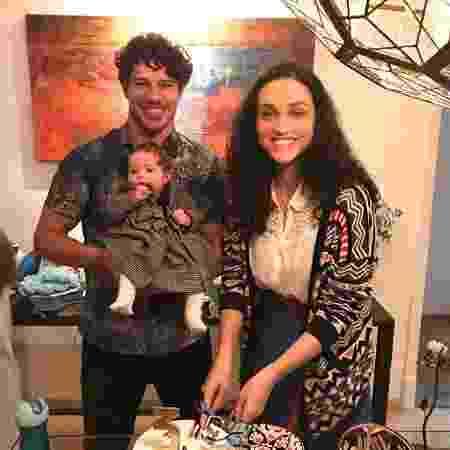 Débora Nascimento e José Loreto com a filha, Bella, quando ainda estavam juntos - Reprodução/Instagram
