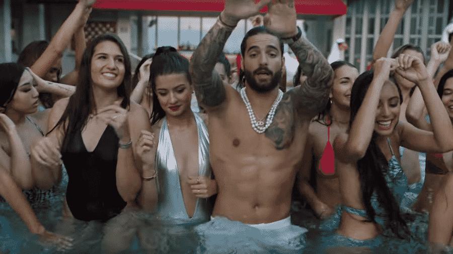 """Maluma no clipe de """"Mala Mía"""" - Reprodução"""