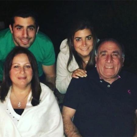 Kaysar, Celine e os pais, que chegam neste final de semana ao Brasil  - Reprodução/Instagram