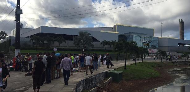 1ª apresentação da turnê | Ingressos para show de Sandy e Junior no Recife são vendidos a R$ 600 por cambistas