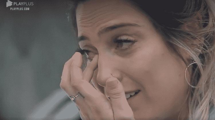 Tati Dias chora após delegação de tarefas - Reprodução/PlayPlus - Reprodução/PlayPlus