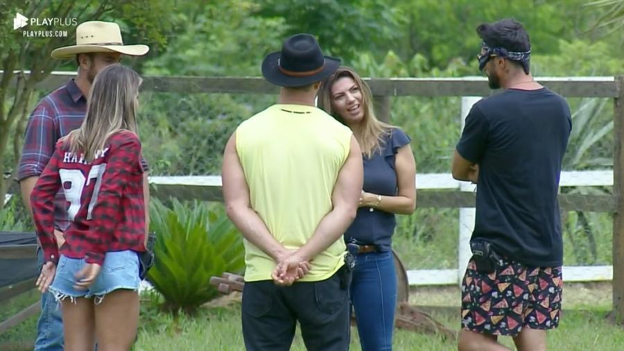 Peões se despedem de cuidadores dos animais de A Fazenda 2019 - Reprodução/RecordTV