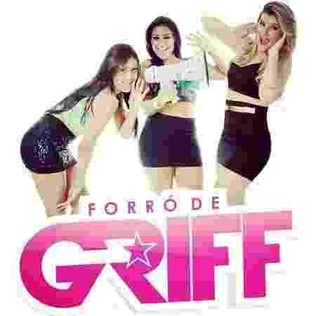 Flayslane (esquerda) e Mara (centro) na época do Forró de Griff, quando iniciaram a carreira aos 18 - Reprodução/Instagram