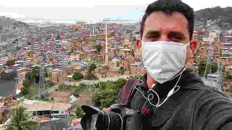 O fotógrafo Bruno Itan no Complexo do Alemão - Arquivo Pessoal - Arquivo Pessoal
