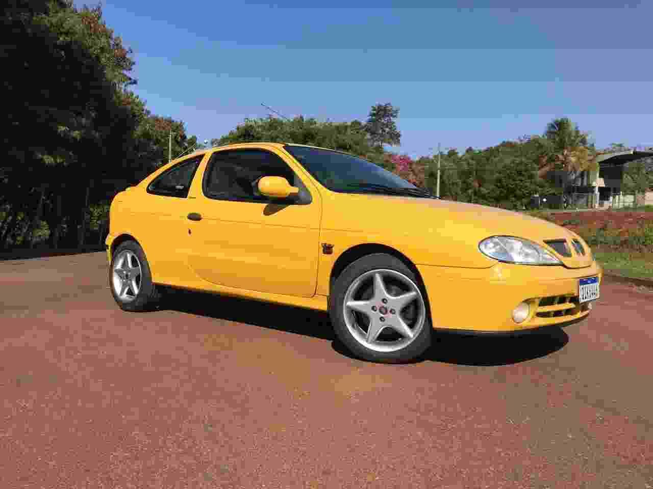Renault Megane Coupé 2002 contrabandeado Alexandre Badolato - Arquivo pessoal