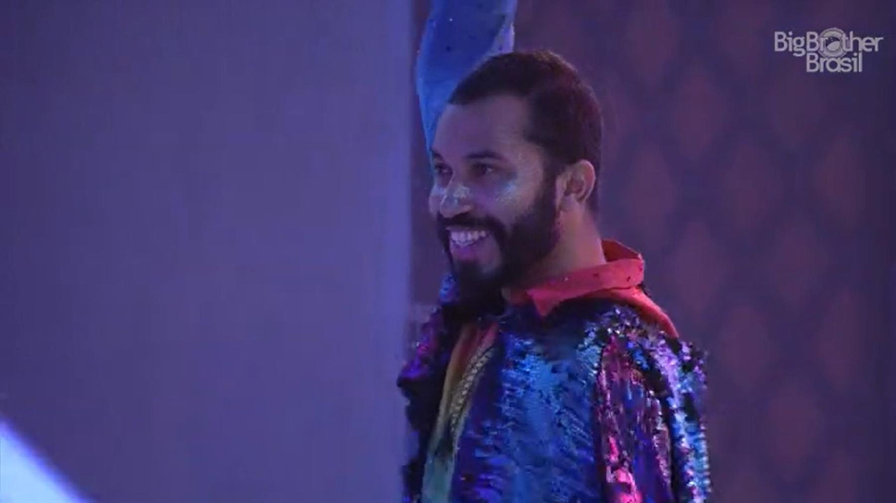BBB 21: Gilberto na abertura da festa do líder - Reprodução/Globoplay