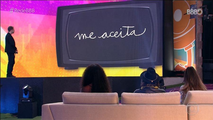 """Tiago Leifert e os três finalistas (Camilla, Fiuk e Juliette) durante a final do """"BBB 21"""" - Reprodução"""